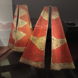 Ahu 'ula (cloak) from the Royal Hawaiian Featherwork: Nā Hulu Ali'I exhibition at the De Young Museum
